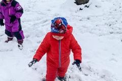 schnee-frische-luft-in-der-natur-kita-gwunderwelt