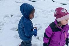schnee-kinder-kita-gwunderwelt-im-garten