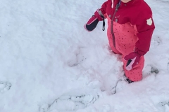 schnee-lachen-im-gesicht-kita-gwunderwelt